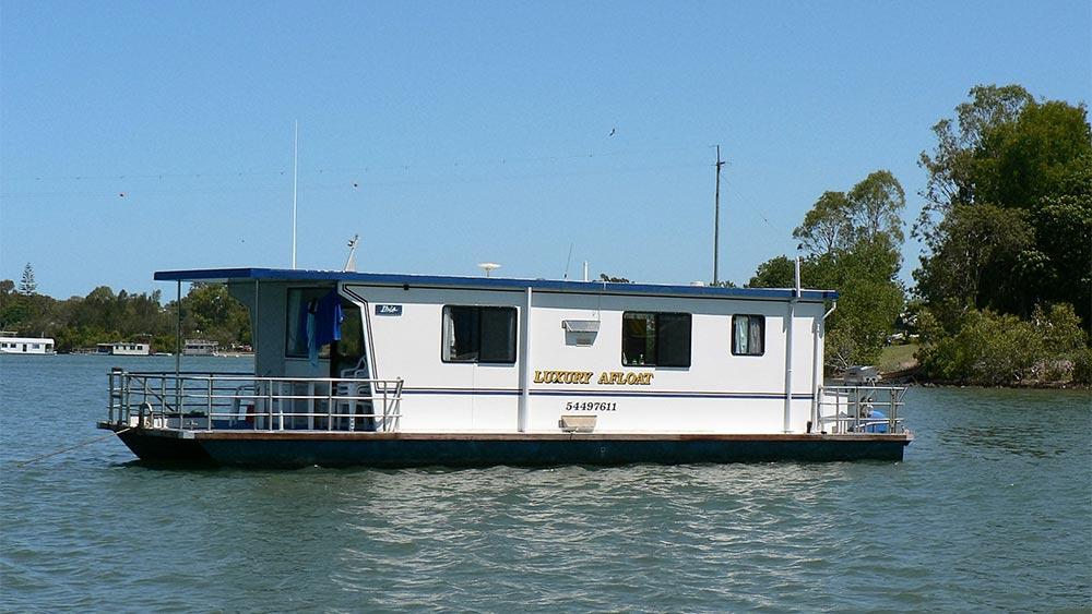 Luxury Afloat Noosa Houseboat Hire